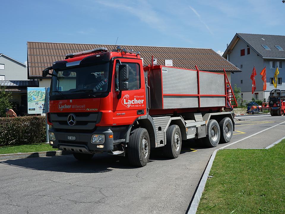 Maschinenpark, LKW, 4-Achser, Lacher Bagger AG