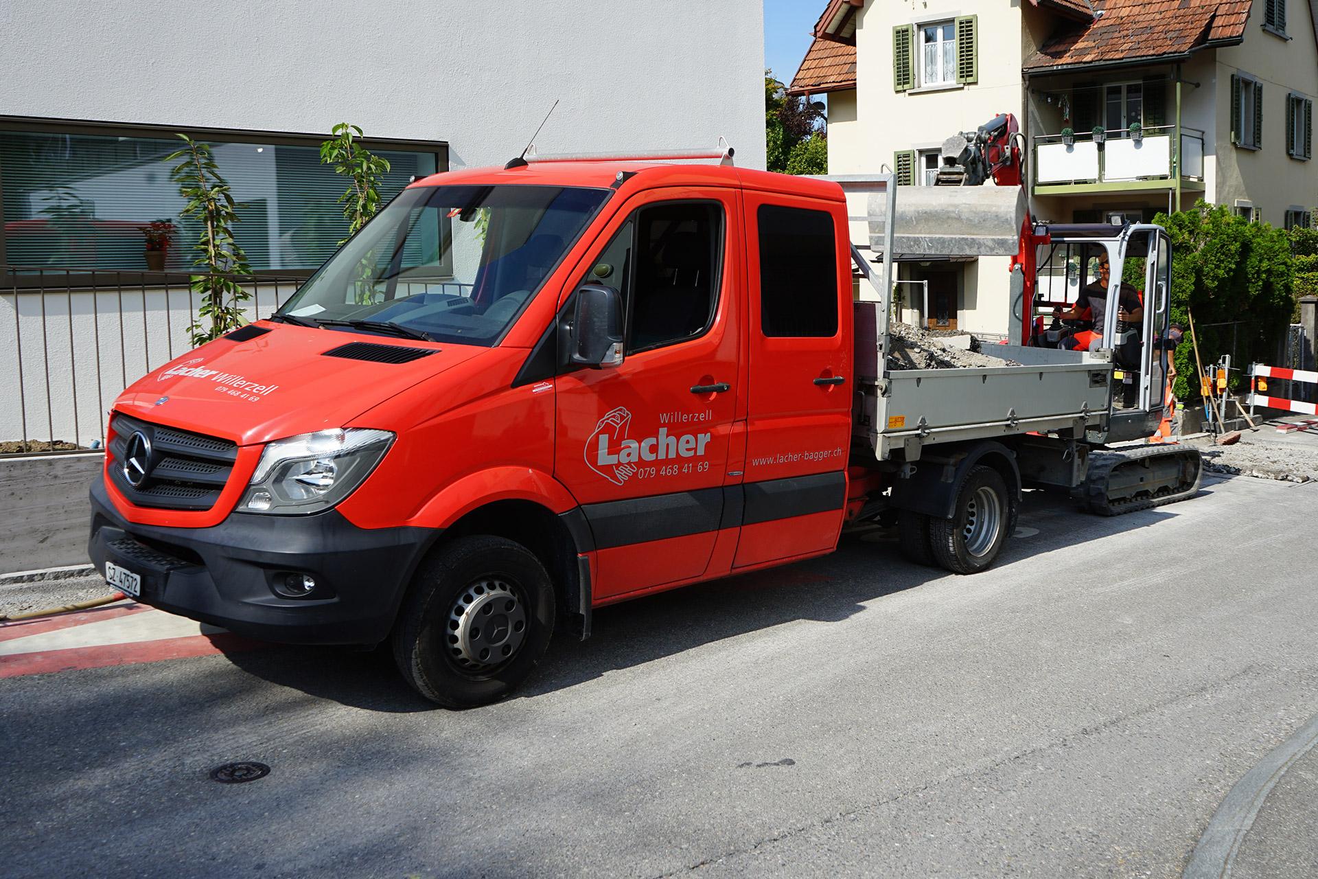 Maschinenpark, Fahrzeuge Lacher Bagger AG