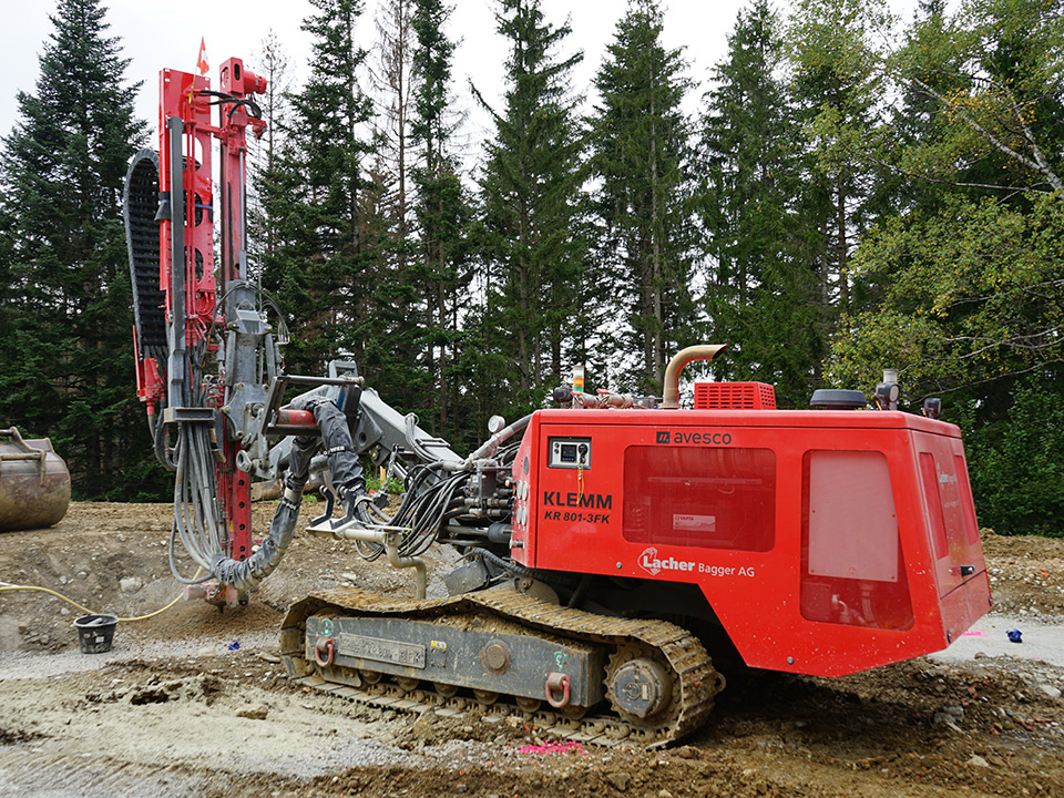 Maschinenpark, Spezialtiefbau, Bohrgerät 12t Klemm 801, Lacher Bagger AG