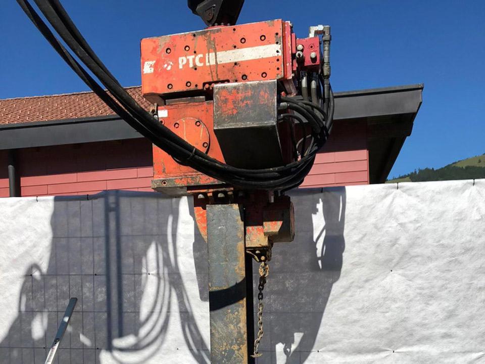 Maschinenpark, Ramme Liebherr 931, Lacher Bagger AG